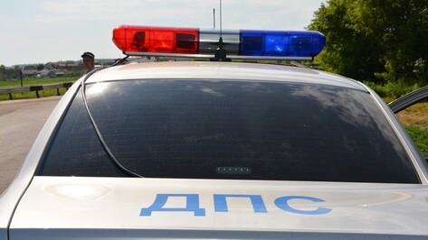 В Рамонском районе водитель «ВАЗа» спровоцировал ДТП и попал в больницу
