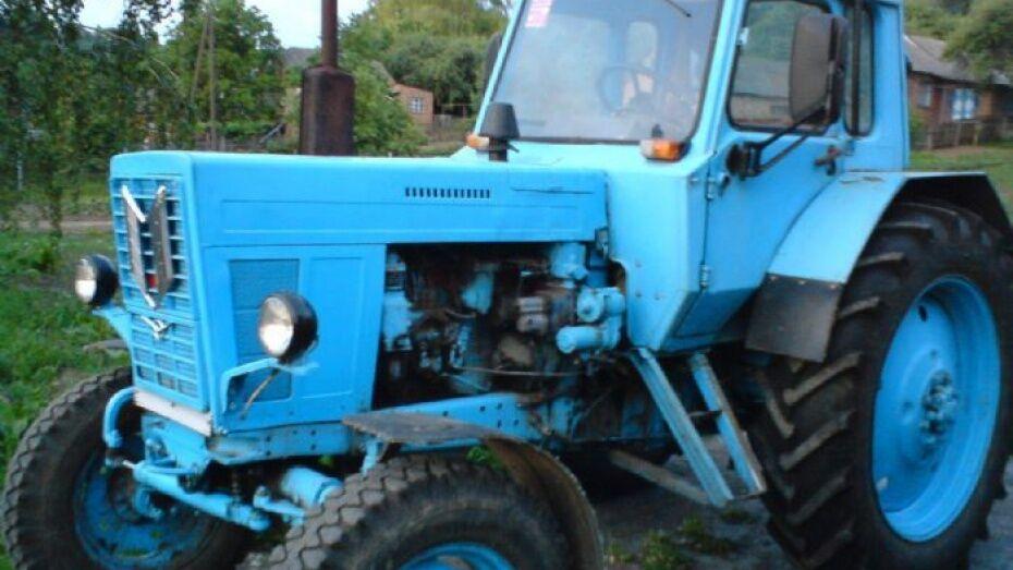В Павловском районе перевернулся трактор