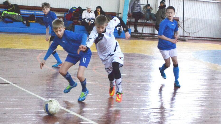 В Калаче прошел областной турнир по мини-футболу