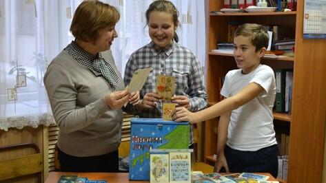 В Семилуках открылась выставка советских новогодних открыток