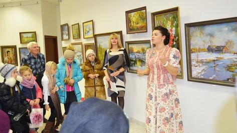 В Лисках открыли выставку «В преддверии Рождества»