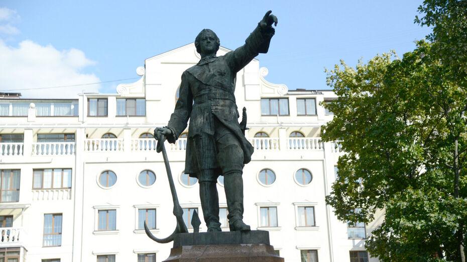 Губернатор поддержал идею провести в Воронеже всероссийскую выставку к 350-летию Петра I