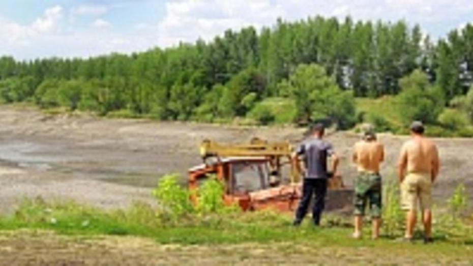 В Семилукском районе осушили самый большой пруд