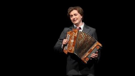 В Воронеже несколько сотен человек смогут бесплатно посмотреть спектакль Безрукова «Хулиган. Исповедь»