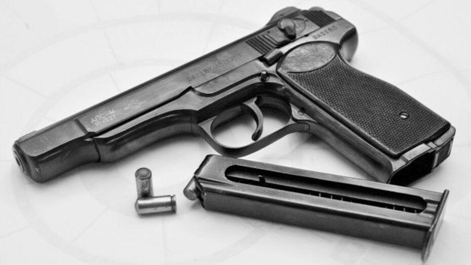 Конец века. Пистолетчик на Воронежском мехзаводе и юбилей сказочницы