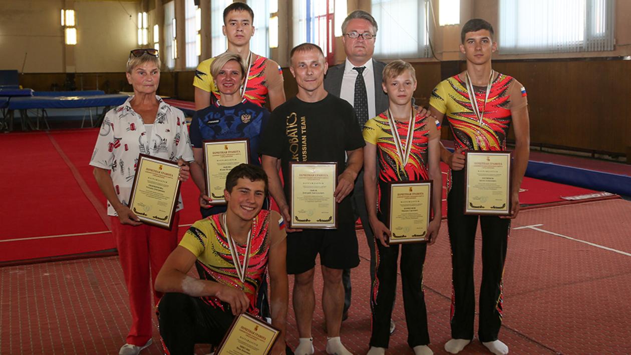 «Вас не догонишь». Мэр Воронежа поздравил юных чемпионов мира по спортивной акробатике