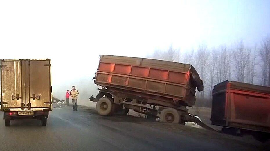 Авария с 10 машинами под Воронежем попала  на видео