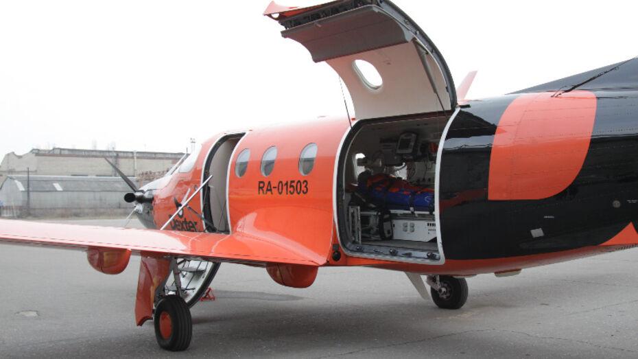 Двухгодовалую девочку из Воронежа самолет санитарной авиации доставил сегодня в Москву