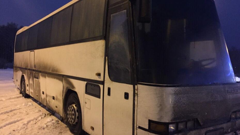 На трассе в Воронеже сломался автобус Москва – Донецк с 16 пассажирами