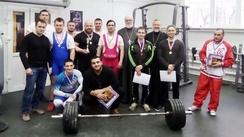 В Лисках выбрали лучших пауэрлифтеров среди православной молодежи