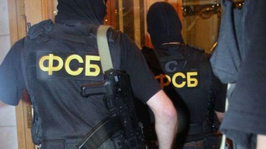 В офисах Воронежской коммунальной палаты сейчас изымают документы и системные блоки