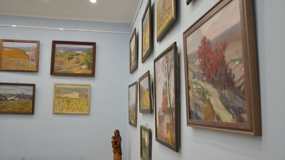 Воронежские художники подарили краеведческому музею Верхнего Мамона 20 картин