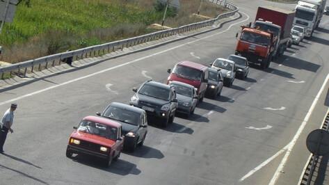 В Воронежской области на М-4 «Дон» возле Лосево образовалась пробка в 15 км в сторону юга