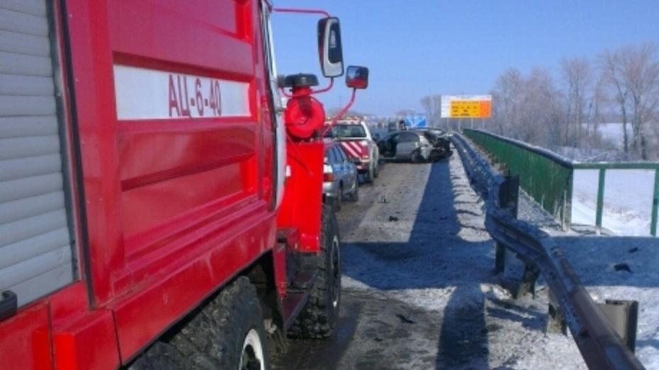 В ДТП на трассе М4 в Воронежской области пострадали 3 человека