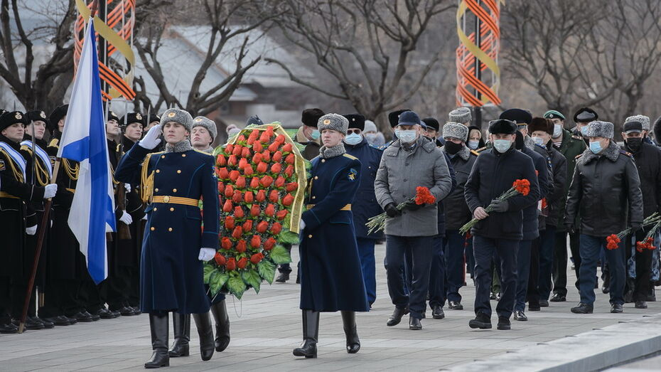 Первые лица Воронежской области почтили память павших неизвестных воинов