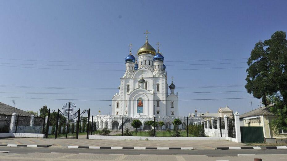 В Лисках в 2015 году завершат отделочные работы в Соборе Владимирской иконы Божьей матери