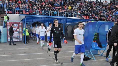 Капитан воронежского «Факела» Виктор Свежов: «Нам еще нужно сыграться по новой схеме»