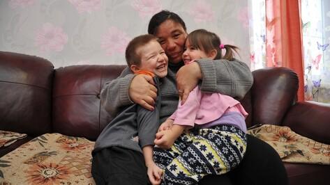 «Мама, забери нас!» Как разваливающийся дом под Воронежем разлучил мать и детей