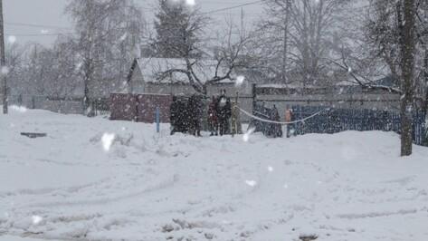 По факту гибели семьи на пожаре под Воронежем следователи возбудили дело