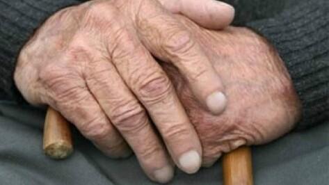 Ранее судимого воронежца подозревают в ограблении 84-летней пенсионерки