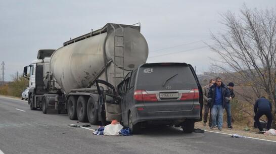 Появились подробности аварии с 3 жертвами в Воронежской области