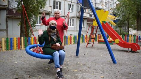 Борисоглебские общественники благоустроили двор многоэтажки за 1,3 млн рублей