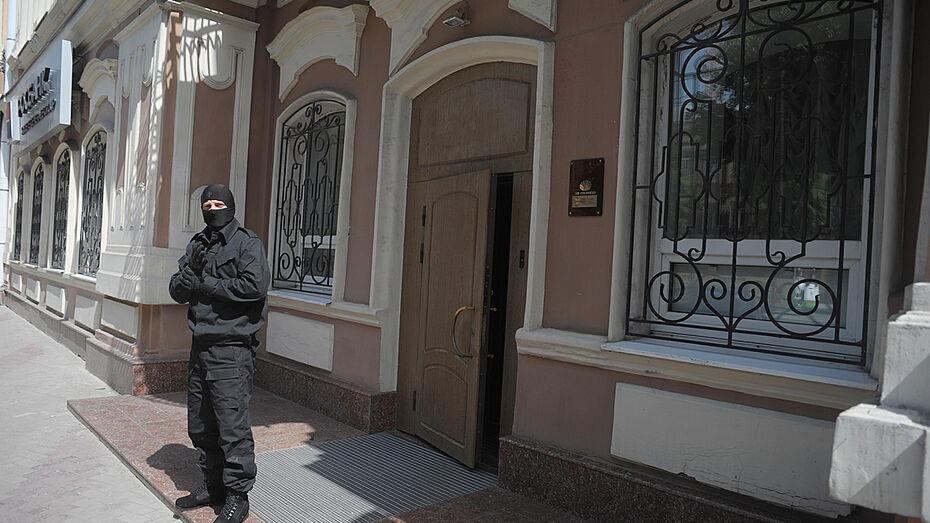 В Воронеже прошли обыски по делу о взятке начальнику УФМС