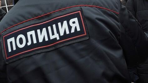 Новоусманские полицейские задержали стрелявшего по людям из винтовки мужчину