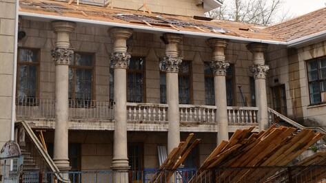 В семилукском поселке началась реконструкция Дворца культуры
