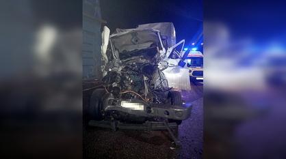 Два человека погибли и один пострадал в ДТП с 3 грузовиками под Воронежем