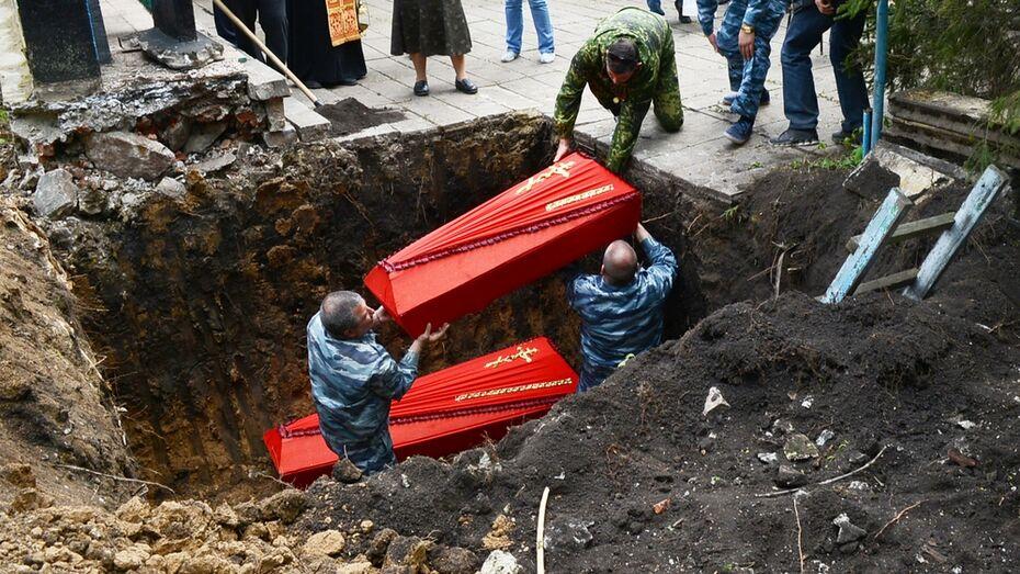 В семилукском селе перезахоронили останки 7 бойцов Красной армии