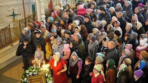 В Воронеж привезут мощи святых Киприана и Иустины