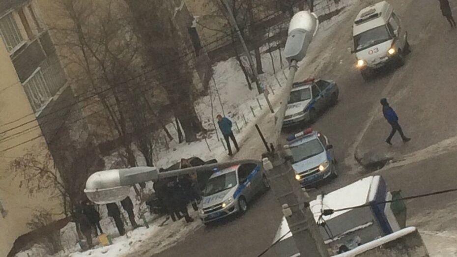В центре Воронежа на тротуаре «ВАЗ» сбил мужчину