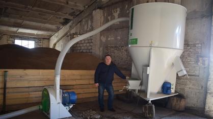 Подгоренский фермер получил субсидию в 500 тыс рублей на покупку комбикормового мини-завода