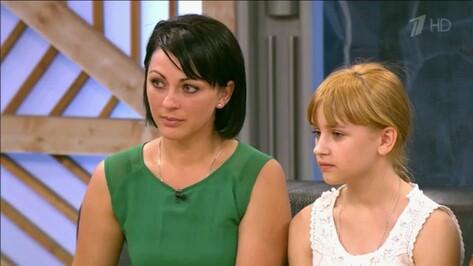 Зрители «Пусть говорят» поддержали тетю выжившей в пожаре воронежской девочки