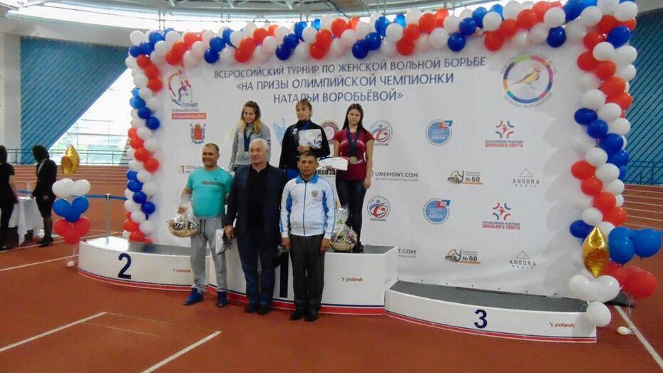 Спортсменка из Анны выиграла «золото» на всероссийском турнире по вольной борьбе
