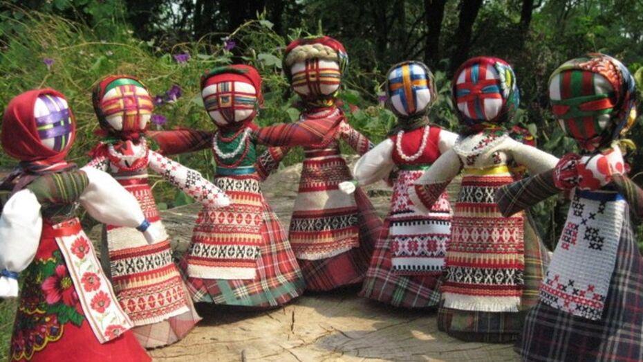 Украинцы научат воронежцев делать куклу-мотанку