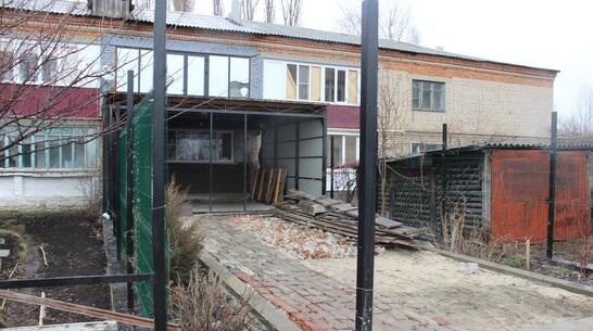 Житель Таловой незаконно сделал пристройку к многоквартирному дому