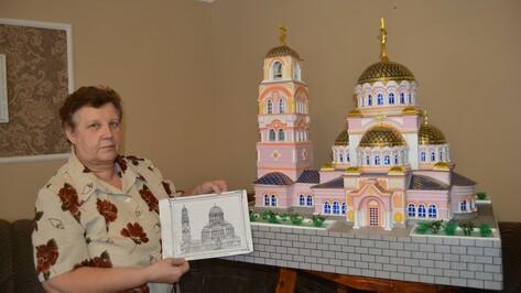 Россошанка сделала из пенопласта макет старинного храма