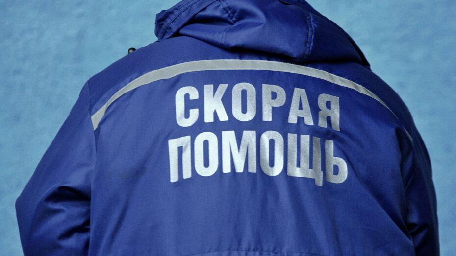 В Воронежской области Toyota столкнулась с деревом: водитель погиб