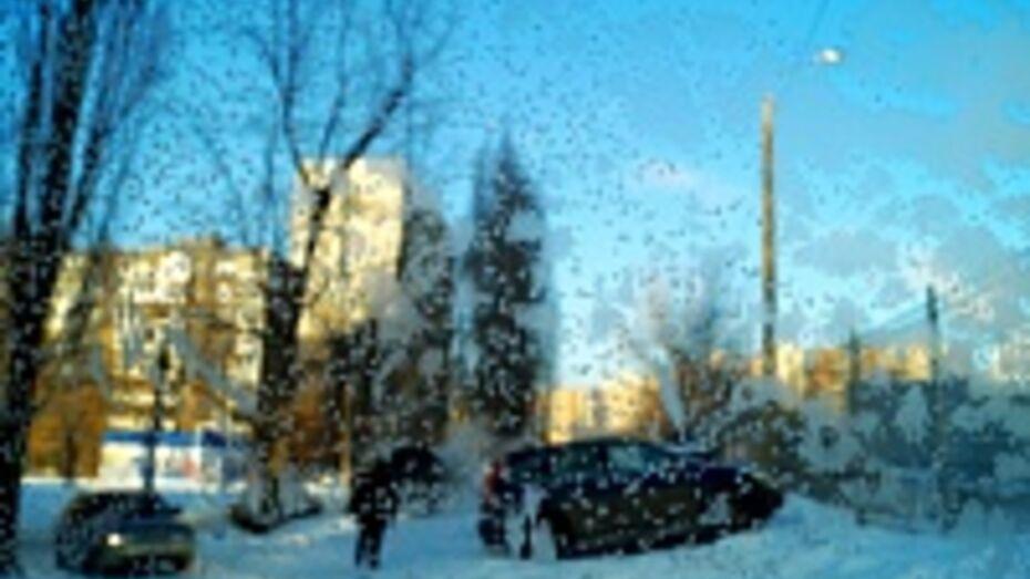 Из-за самой холодной ночи этой зимы дороги Воронежа наполовину опустели