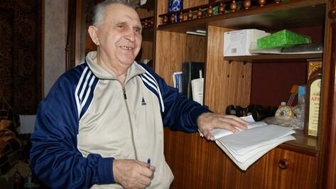 Поворинец Владимир Щепкин помогает военкомату собирать данные о фронтовиках