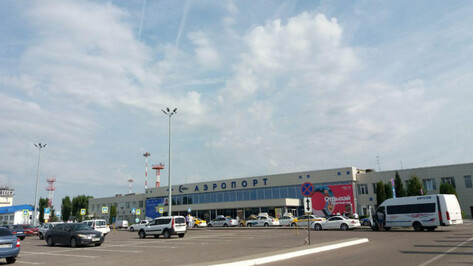 В Воронеже почти на 3 часа задержали самолет до Антальи