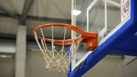 Курские баскетболисты разгромили воронежских