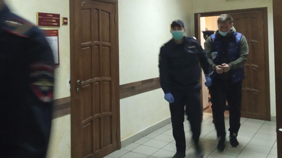 Виновник аварии с 2 жертвами в Воронеже попросил о домашнем аресте