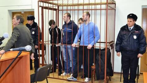 В Воронежской области суд вынес приговор братьям-близнецам за разбой с битами и мачете