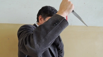 Дело отчима, ударившего ножом падчерицу, передано в суд
