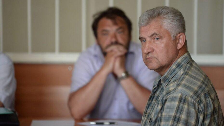 Экс-глава воронежского УФМС частично признал вину в получении взятки иномаркой