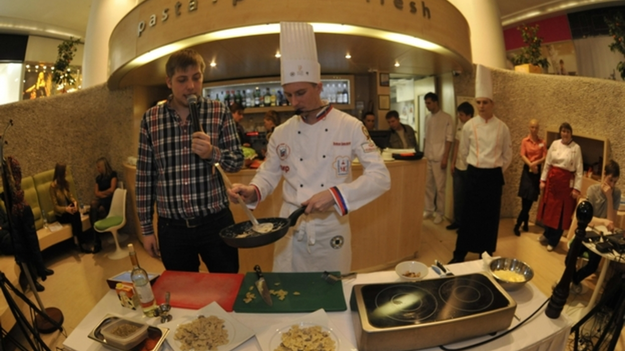 Воронежцев научили варить макароны «по науке»