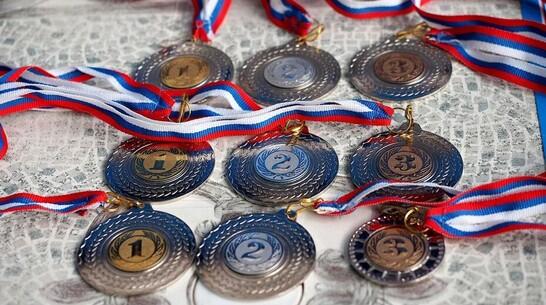 Лискинские спортсменки привезли 2 «золота» с межрегионального турнира по вольной борьбе